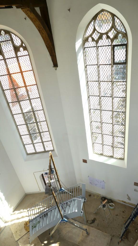Op 2 april is een begin gemaakt met de plaatsing van een  metalen trap (in twee delen) in de voormalige kapel van het Centraal Museum Utrecht.