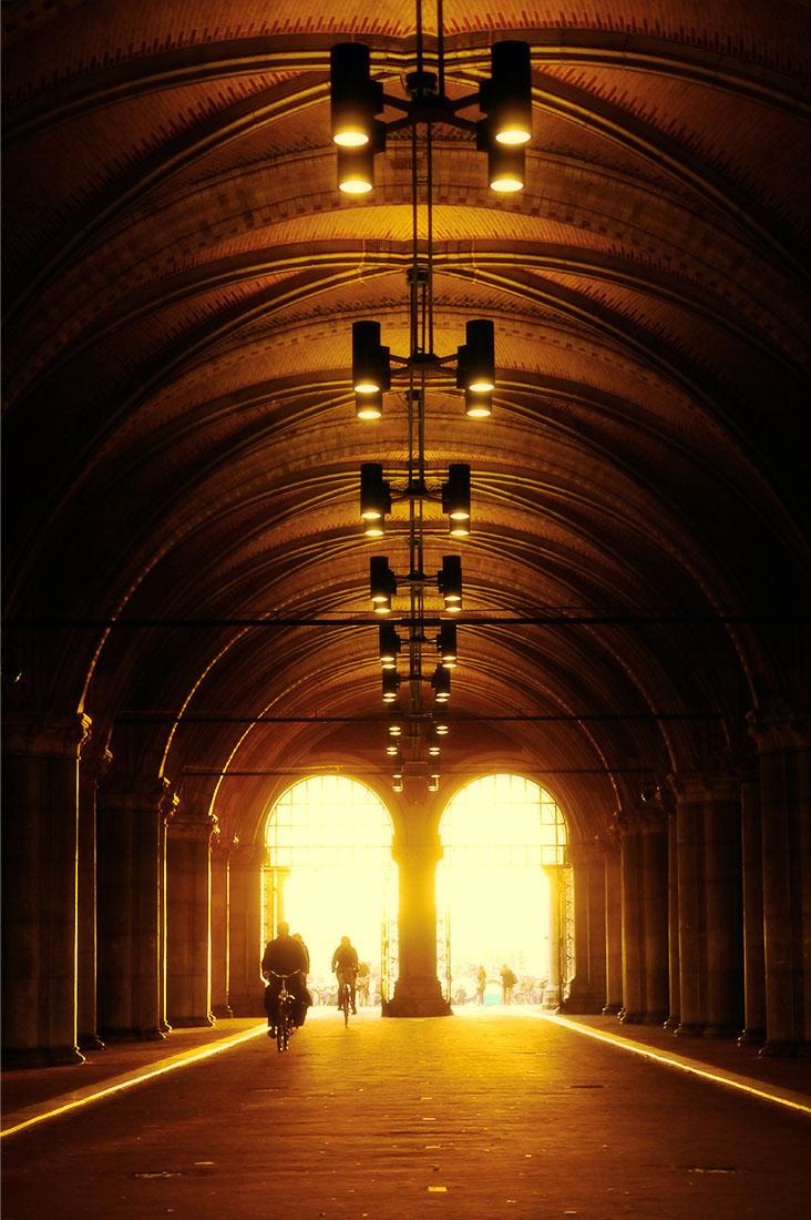 Rijksmuseum Amsterdam Fietsersonderdoorgang 4 december 2015 ©Huib J. Lirb