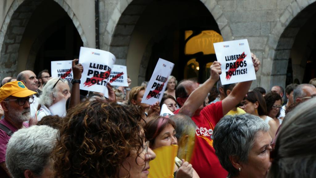 Wekelijkse demonstratie tegen de vervolging van Catalanisten in Girona (30 juli 2018), ©2018 Huib J. Lirb