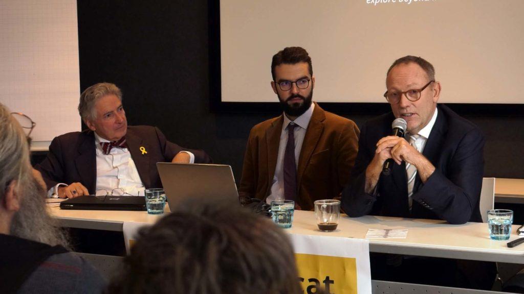 Ben Emmerson beantwoordt vragen uit het publiek (©2018 H.J. Lirb)